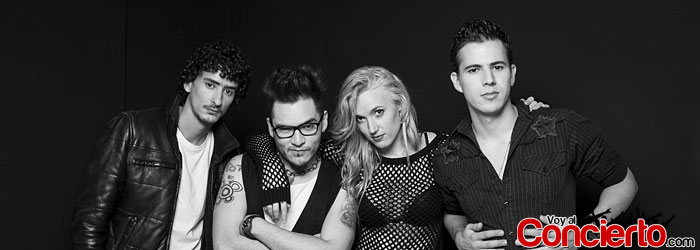 Jenny-and-the-mexicats-en-Mexico-DF-2013