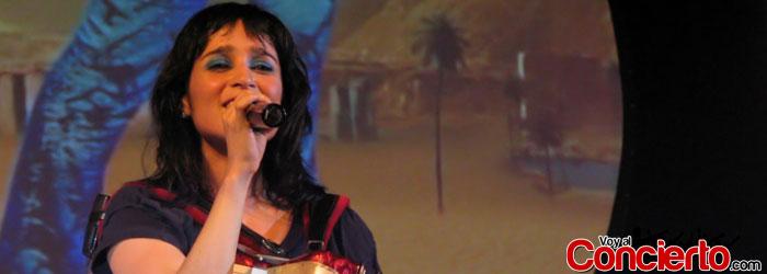 Julieta-Venegas-en-Mexico-DF-2013